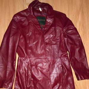RED LEATHER JACKET SIZE M